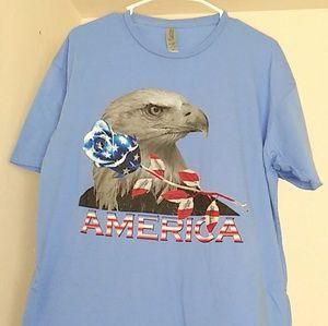 🐶2/$15 America Rose & Eagle Tee